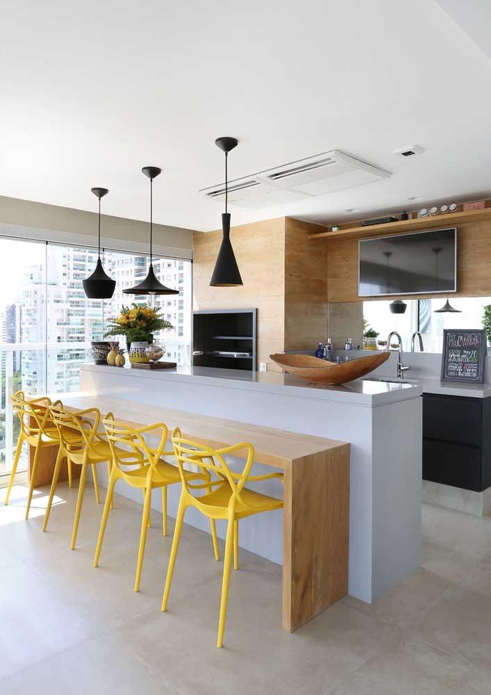Churrasqueira embutida de alvenaria para apartamento: moderna e ainda economiza espaço
