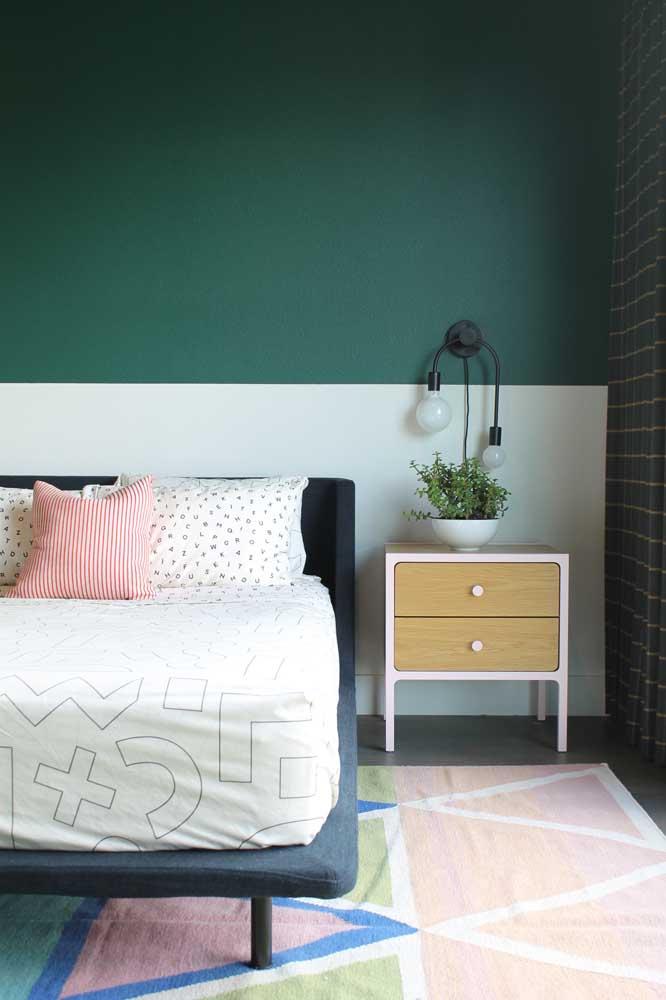 Já para o quarto a dica é uma meia parede verde e branca