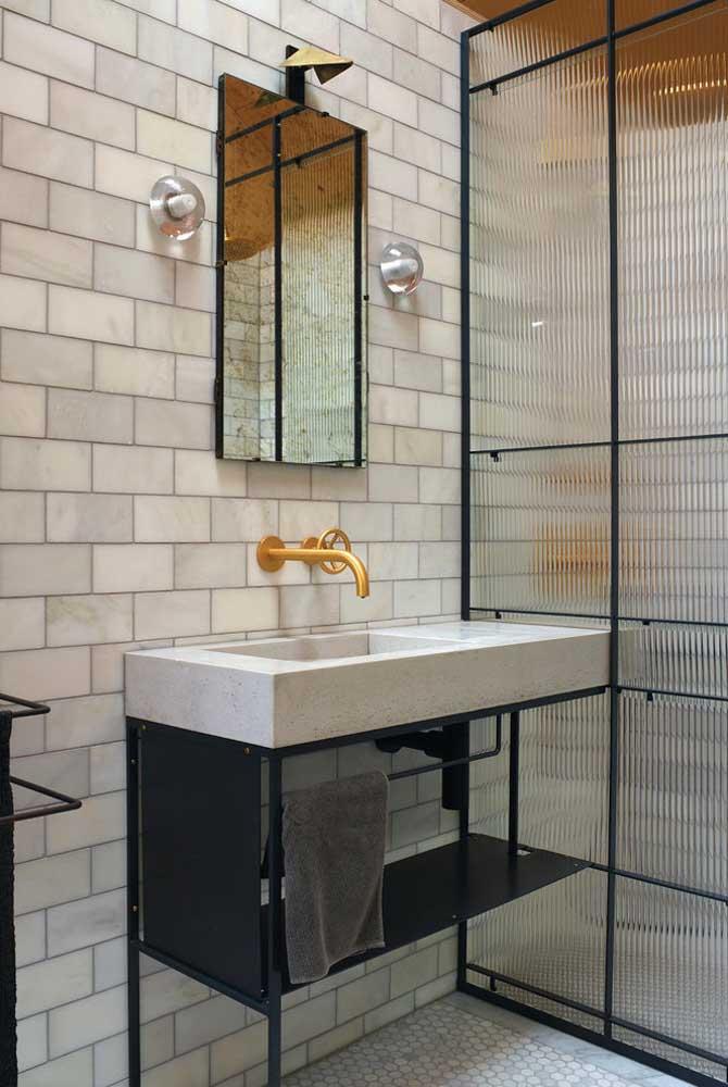 Bancada de madeira para banheiro: elegância atemporal