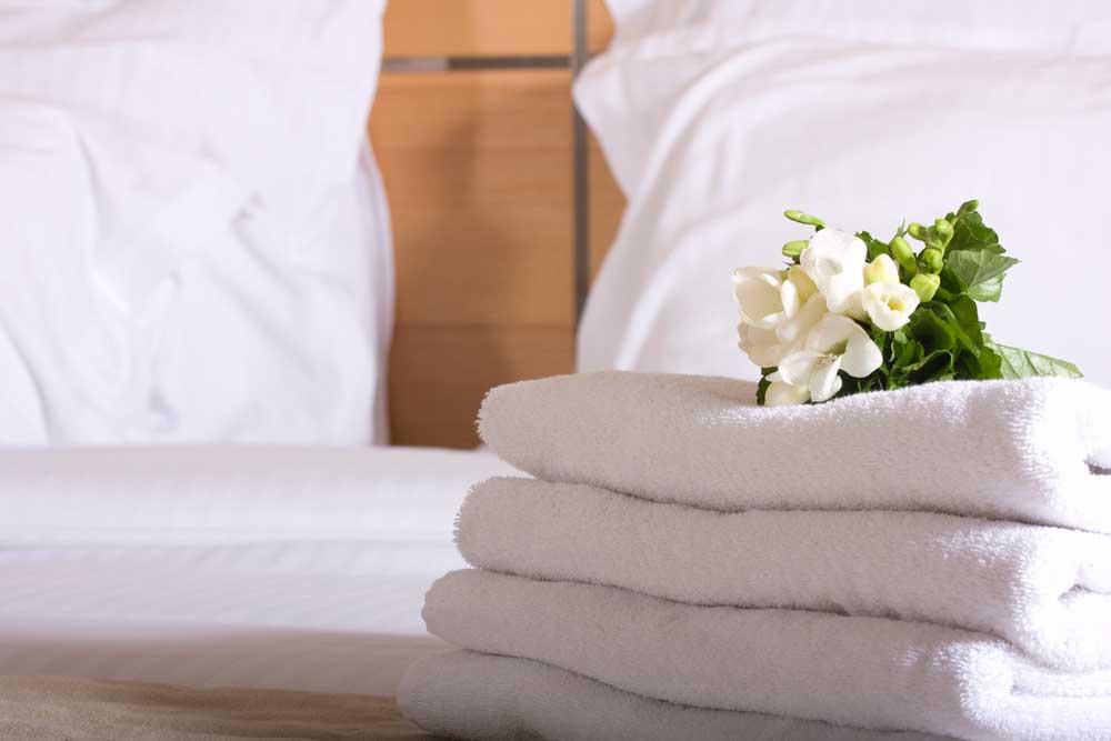 Como arrumar cama de casal passo a passo