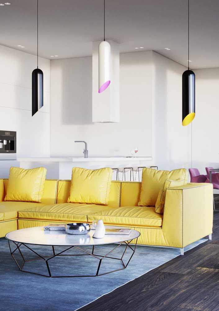 Lustres modernos, minimalistas e coloridos