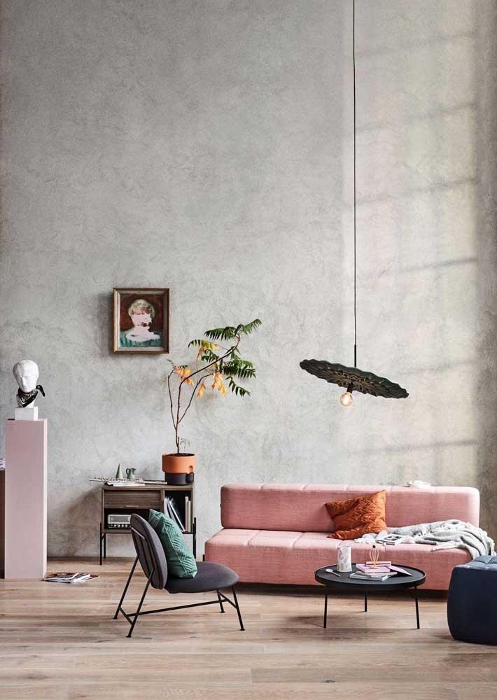 Textura suave para destacar a parede com pé direito alto