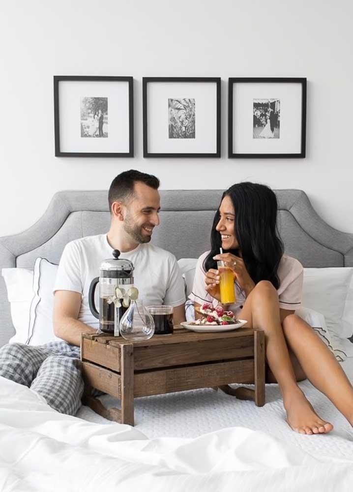 Café da manhã na cama romântico para começar bem o dia
