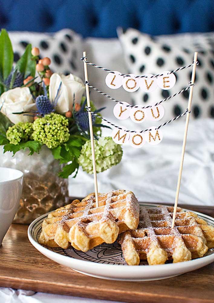 Café da manhã na cama para mãe, afinal, ela merece!