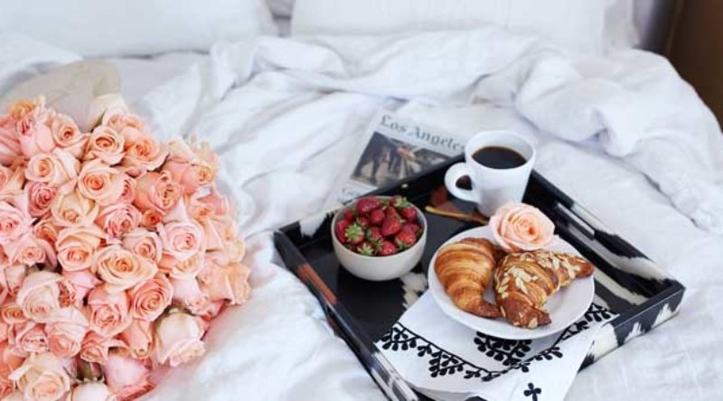 Café da manhã na cama: como organizar, dicas e fotos para se inspirar