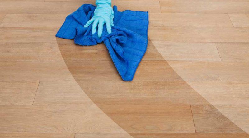 Como passar pano no chão: veja guia de como fazer passo a passo