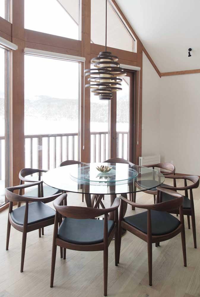 Mesa de vidro redonda 8 lugares: para quem tem muita gente pra receber e pouco espaço no ambiente