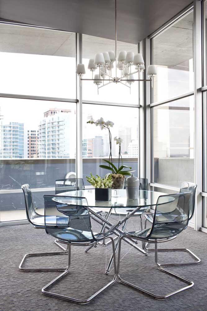 Mesa de vidro redonda 6 lugares com base e cadeiras em inox