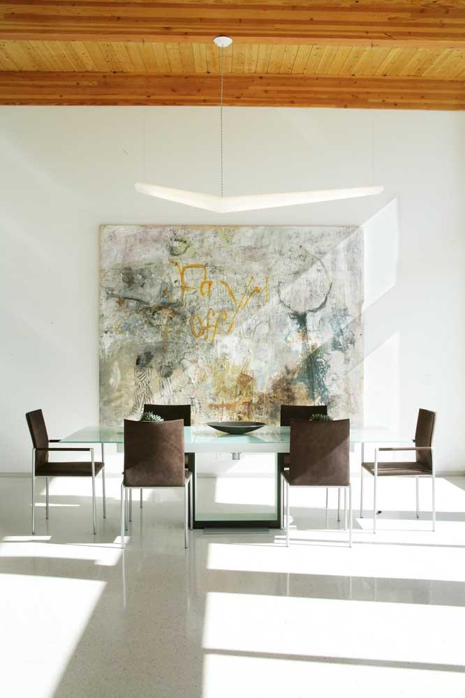 Mesa de vidro 6 cadeiras para uma sala de jantar ampla e espaçosa