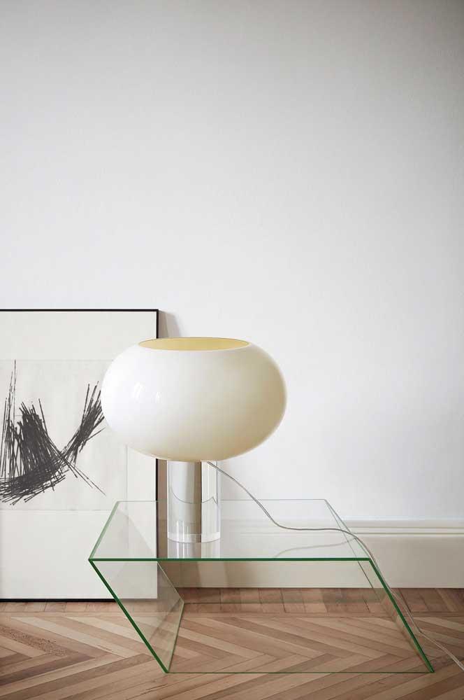 Nada como uma peça cheia de design, como essa mesa de vidro de centro!
