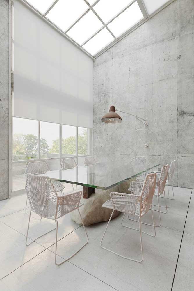 Mesa de vidro 8 lugares com base de pedra rústica