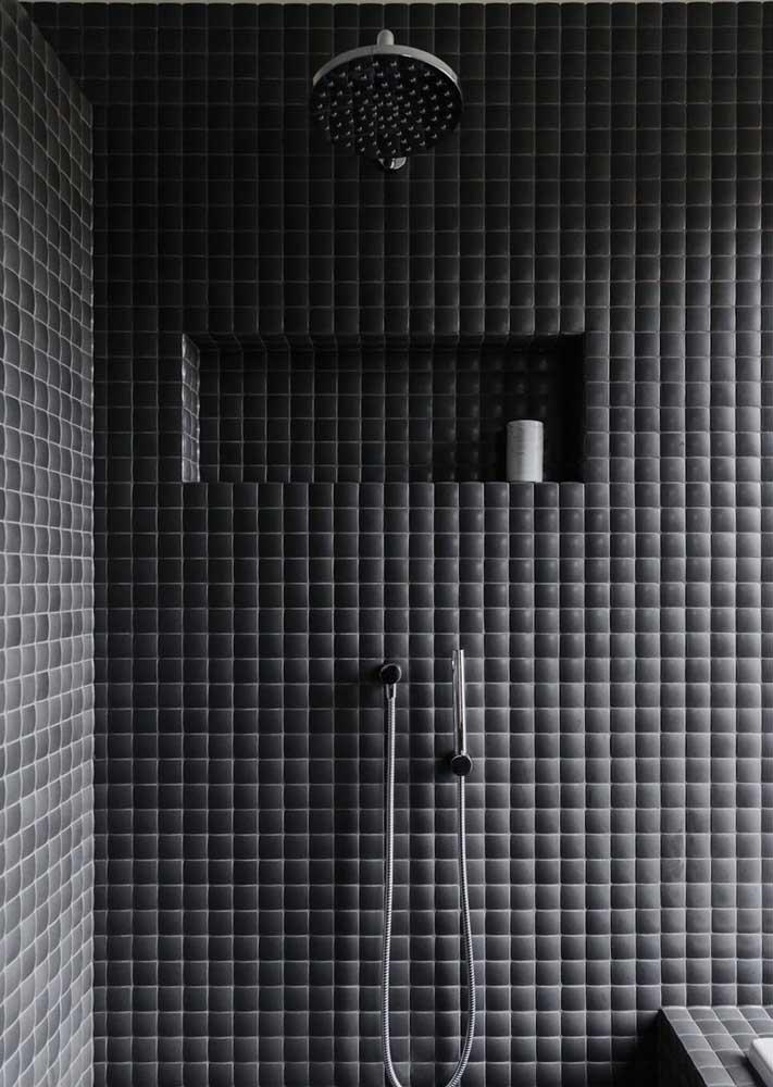 E para o banheiro moderno, nada como um revestimento de parede preto
