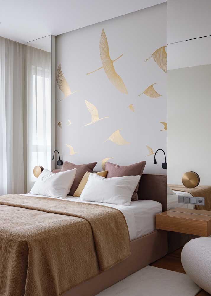 Revestimento de parede para quarto: o papel de parede garante uma decoração simples e prática