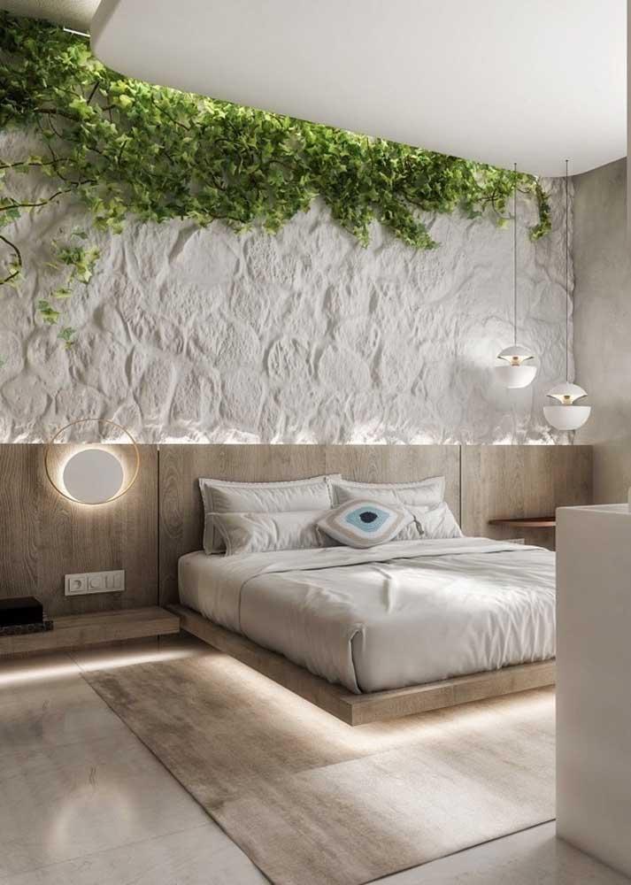 Revestimento de parede para quarto feito com pedras brutas e naturais