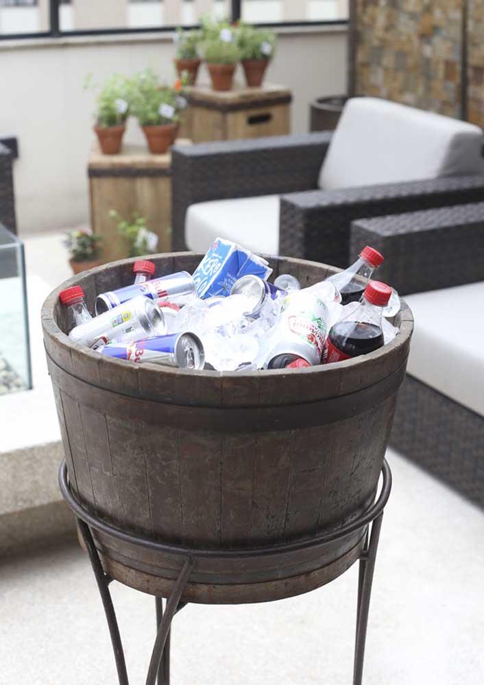 Para as bebidas providencie um baldão de gelo