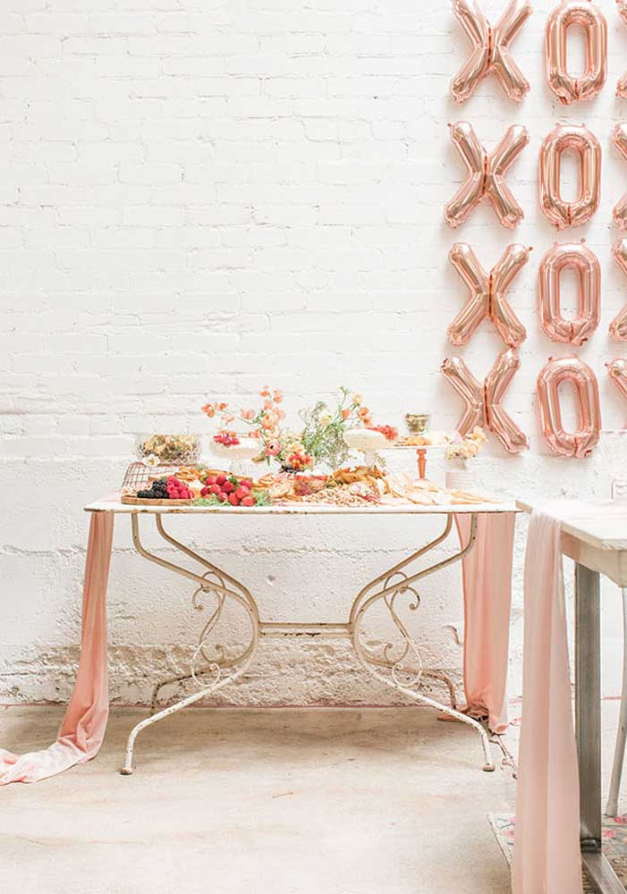O tema rosé gold também é ótimo para festas elegantes e sofisticadas