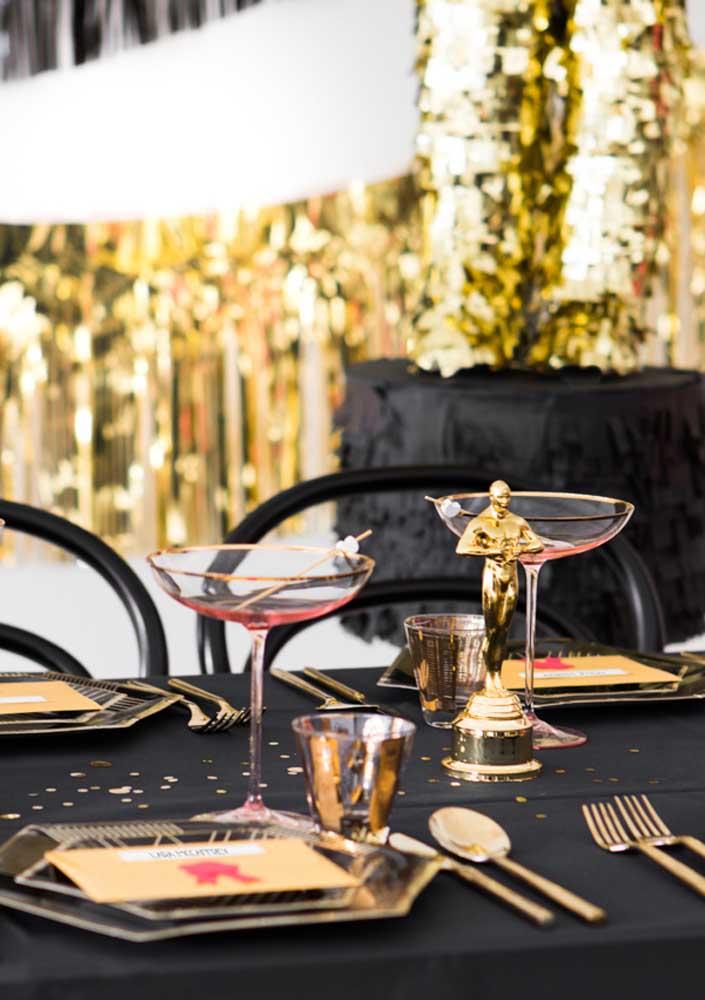 Na mesa, elegância e glamour