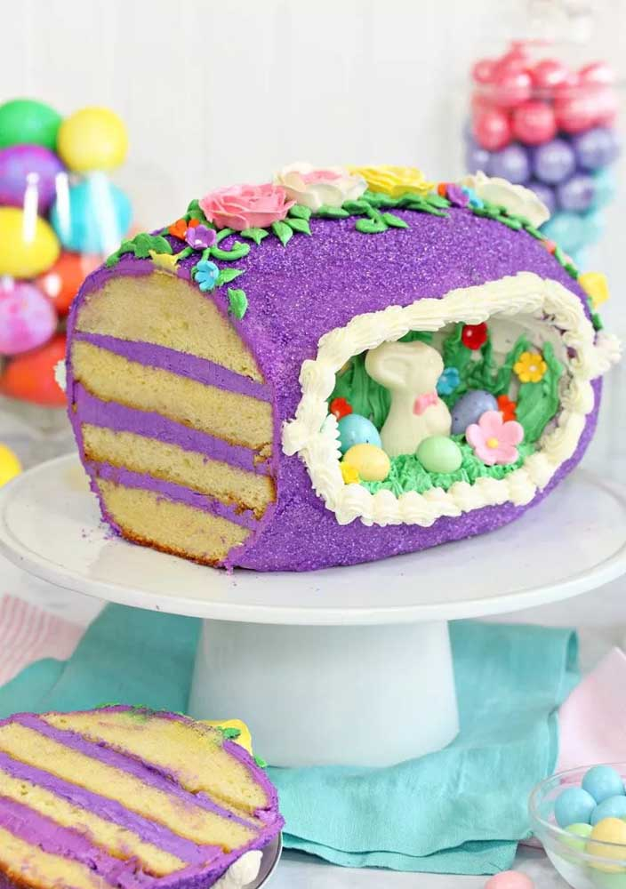 Não é a toca de um coelho, só um bolo de páscoa super decorado