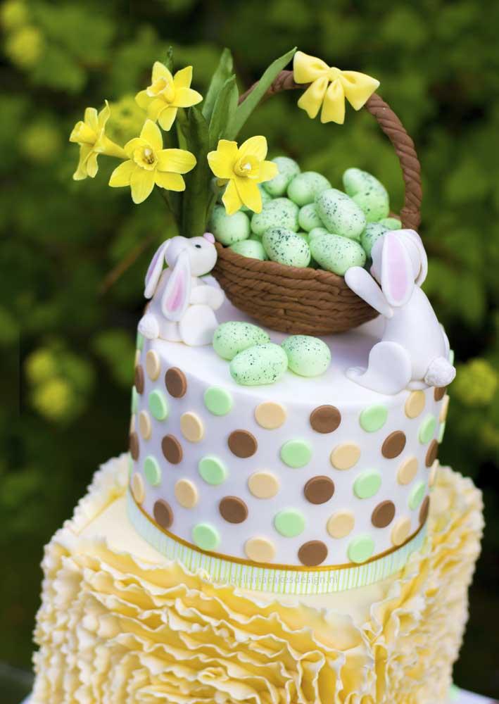 Poás, coelhos e ovinhos: tudo isso na decoração do bolo de páscoa
