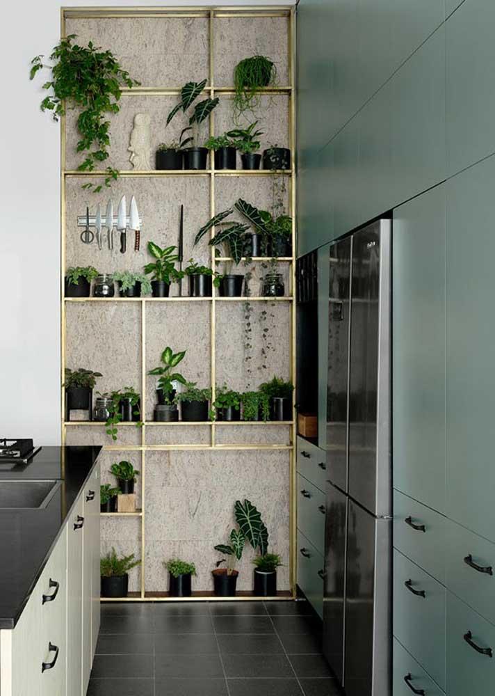Dicas de decoração para cozinha pequena: minimalize os armários