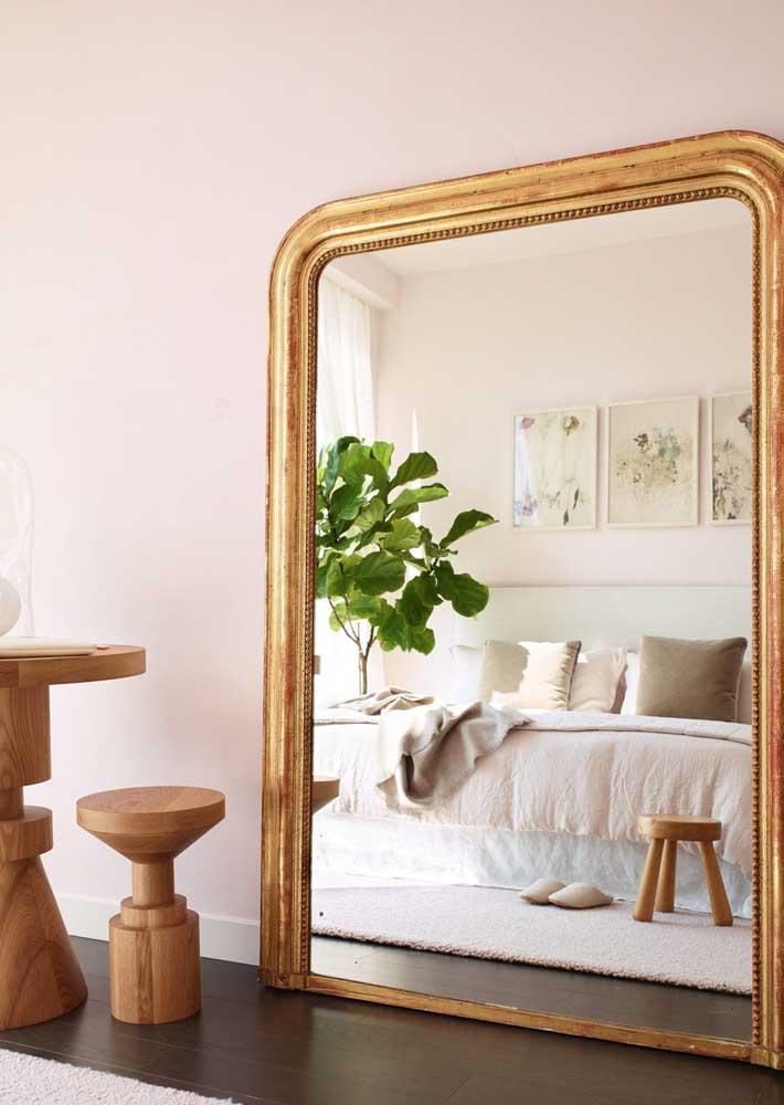 Espelhos grandes para ampliar ambientes pequenos