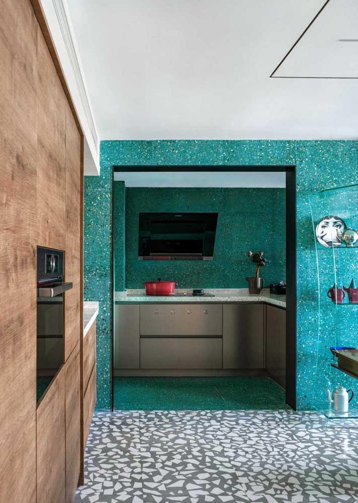 Duas fortes tendências do passado que estão voltando com tudo para o décor moderno: granilite e piso de caquinhos