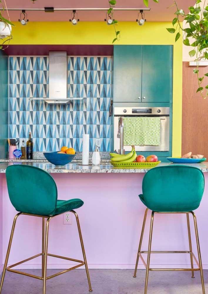 Muitas cores para a cozinha de estilo retrô