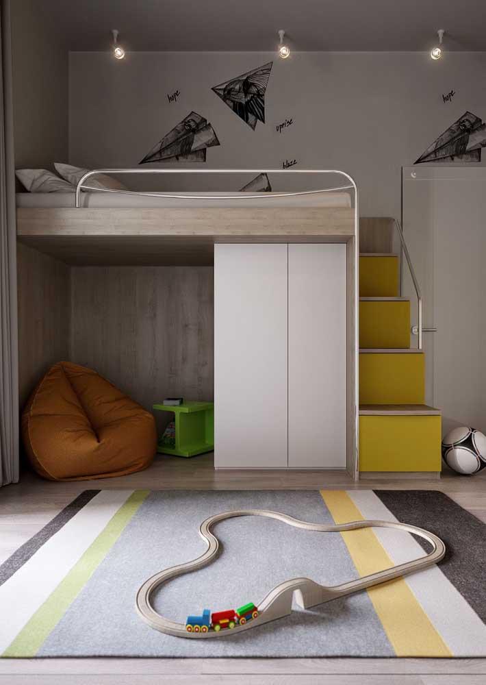 Móveis planejados para quarto infantil: a cama suspensa permite aproveitar melhor o espaço