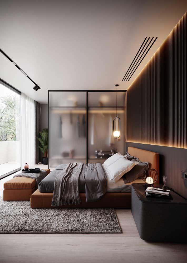 Móveis planejados para quarto de casal em um design simples, mas sofisticado